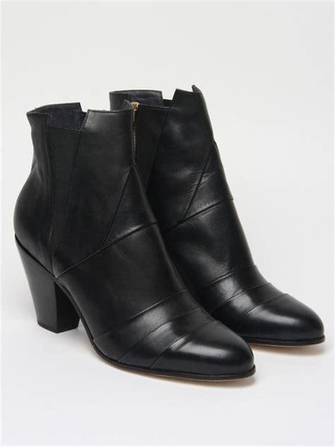 gareth pugh mens boots gareth pugh mens nappa leather cuban heel boot in black