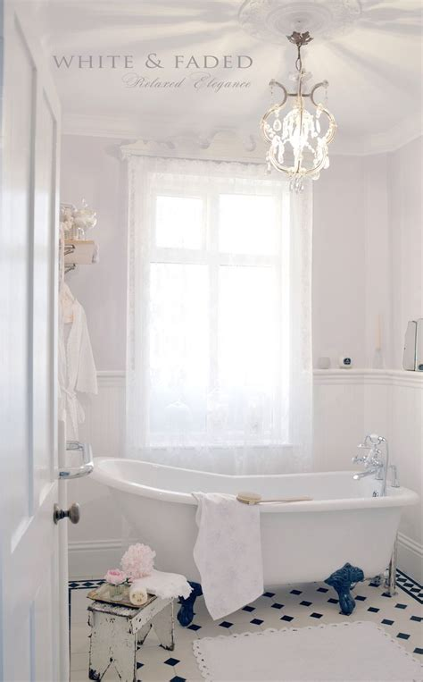 small chic bathrooms best 25 chic bathrooms ideas on pinterest shabby chic