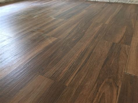 legno per pavimenti pavimento in gres effetto legno pavimento effetto legno