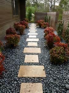 25 creative landscape ideas for small side yard izvipi com
