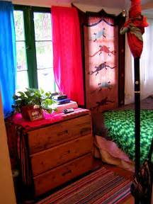 Room Decor Ideas Cheap Cheap Decorating Ideas For Bedroom Plushemisphere