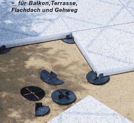 Balkon Steinplatten Verlegen by Stelzlager Terrasssenplatten Balkonfliesen Mit Stelzlager