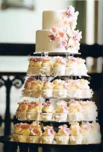 cupcake kuchen cupcake wedding cakes stylish
