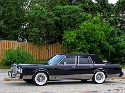 how do i learn about cars 1987 lincoln continental mark vii navigation system 1987 lincoln town car information and photos momentcar