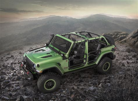 jeep accessories new wranglers show off mopar jeep performance parts