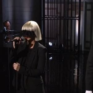 Sia Chandelier Live Snl Sony Music France Chandelier Sia Live