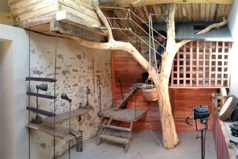 comment faire une cabane dans une chambre cabane l arbre entre dans la chambre esprit cabane