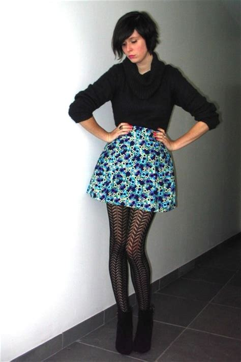 gray sweaters blue skirts black tights black boots