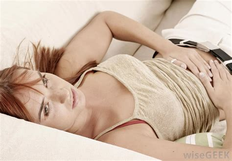girl masturbating in bed what are the most common causes for right side stomach pain