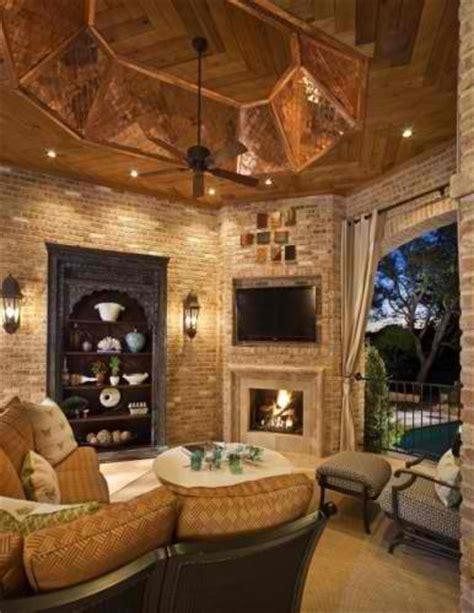 20 amazing tv above fireplace design ideas decoholic 20 amazing tv above fireplace design ideas viral
