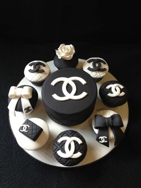 chanel cake  cupcakes     birthday cakes pinterest birthdays cakes  chanel