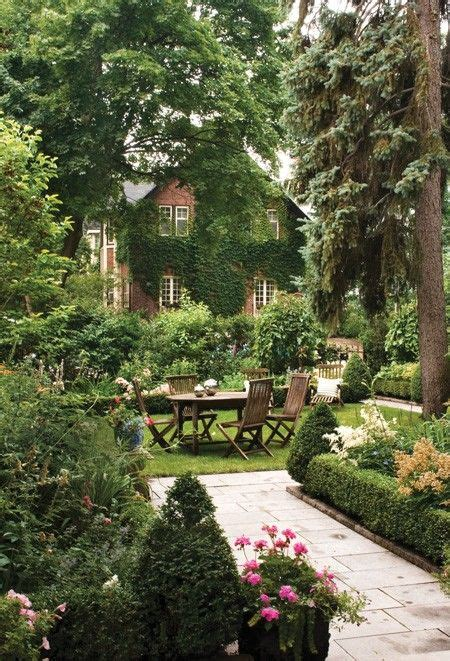 34 inspiring backyards gardens backyards and hedges