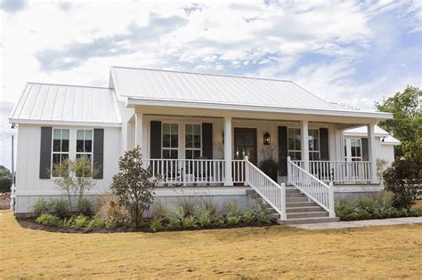 fixer upper houseboat episode chip and joanna gaines transformed this old shack into a