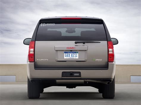 2010 gmc yukon towing capacity which suv is better gmc yukon or ford expedition autos post