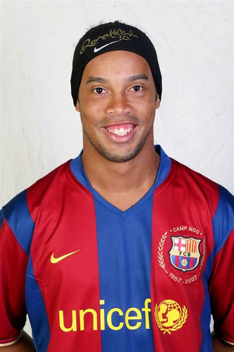 sports ronaldinho profile  picturesimages
