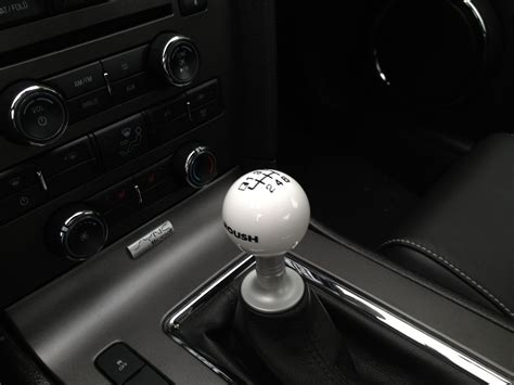 2011 Mustang Gt Shift Knob by 2011 2014 Roush Shift Knob Review Cue Knobs In