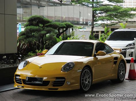 porsche indonesia porsche 911 turbo spotted in jakarta indonesia on 03 21 2015