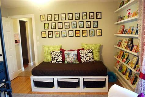 6 amazing diy pallet daybed designs pallets designs 6 diy charming pallet daybed ideas 101 pallets