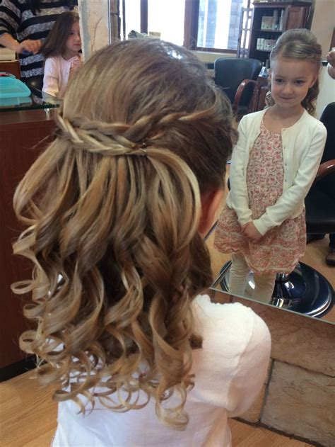 cute hairstyles for first communion best 25 first communion hair ideas on pinterest
