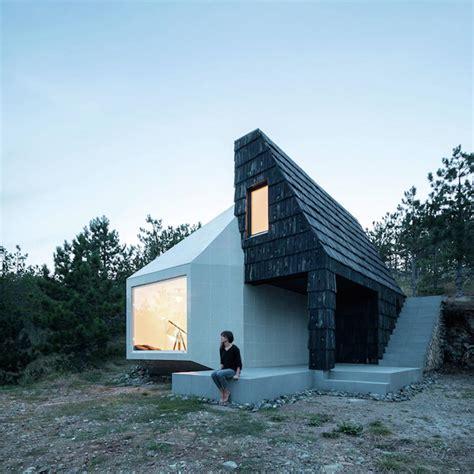mountain valley bank na asymmetrical mountain home in serbia fubiz media
