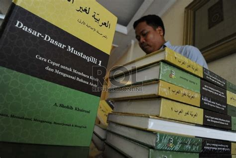 Buku Cara Mudah Belajar Islam Bimbingan Dasar Islam cara mudah belajar bahasa arab republika