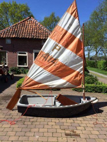 zeilboot piraatje piraat jeugdboot lijkt op optimist compleet met trailer