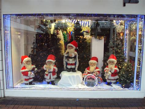 file christmas shop window birkenhead dsc04919 jpg