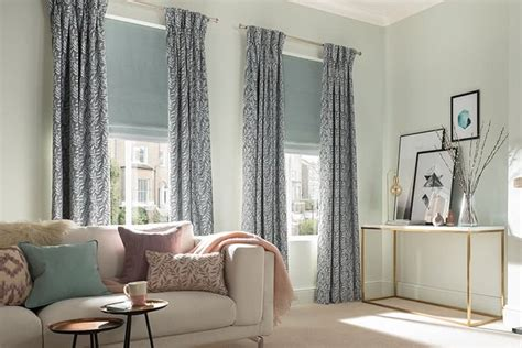 living room curtains   measure