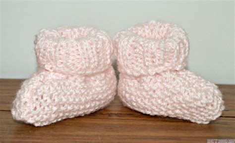 how to knit baby booties easy baby booties free knitting pattern