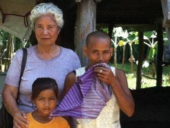 mrenh gongveal chasing the elves of the khmer books tropical fruit rambutan