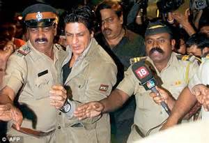 Shah Rukh Khan loses police security | Daily Mail Online
