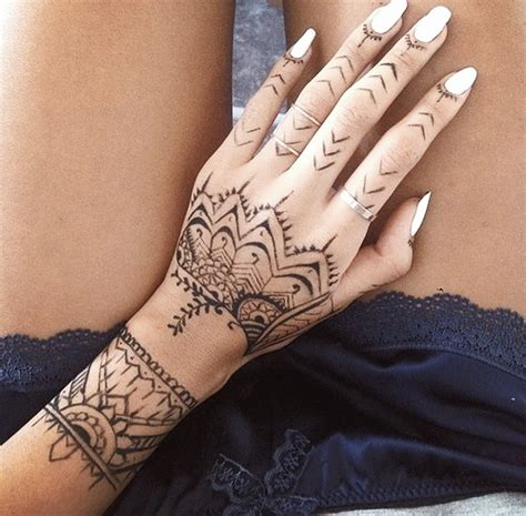 henna tattoo unique 31 unique henna tattoos for pop