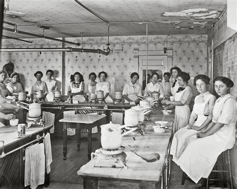chapman high school home economics class in session 1913