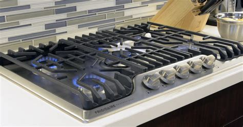 cooktops gas reviews frigidaire fpgc3077rs professional cooktop review