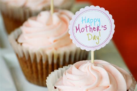 day cupcake edible moments mothers day cupcakes and free diy cupcake