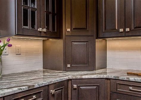 cabinets to go braintree best 25 brown cabinets kitchen ideas on