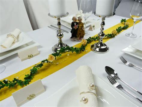 Tischdekoration Goldene Hochzeit by Mustertische Zur Goldenen Hochzeit Bei Tischdeko