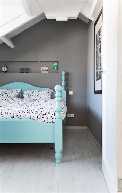aqua bedroom aqua bed turquoise headboard gray walls master bedroom