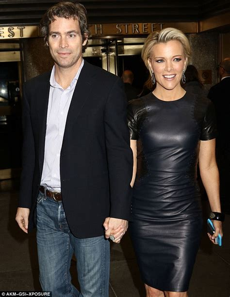 fox news megyn kelly family megyn kelly spotted holding hands with husband douglas