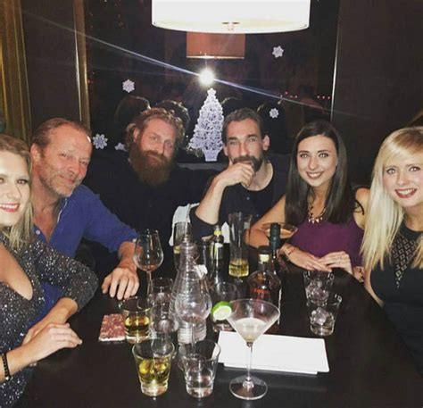 cast game of thrones episodes game of thrones season 7 cast photo confirms character s