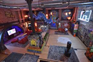 Airbnb offers Teenage Mutant Ninja Turtles themed lair in New York   Daily Mail Online