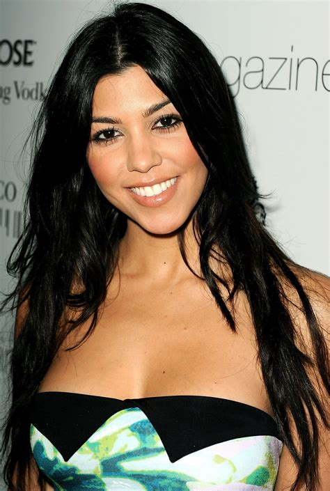 kourtney kardashian kourtney kardashian wallpapers 86941 beautiful kourtney