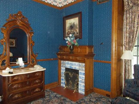 Glen Eyrie Castle Rooms by General Palmer S Room