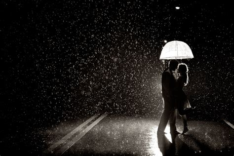 black and white couple wallpaper dancing in the rain knappphotography