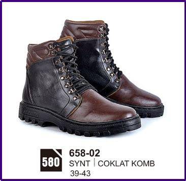 Sepatu Santai Cowok Terbaru 2017 sepatu boots pria casual murah bandung terbaru 2017