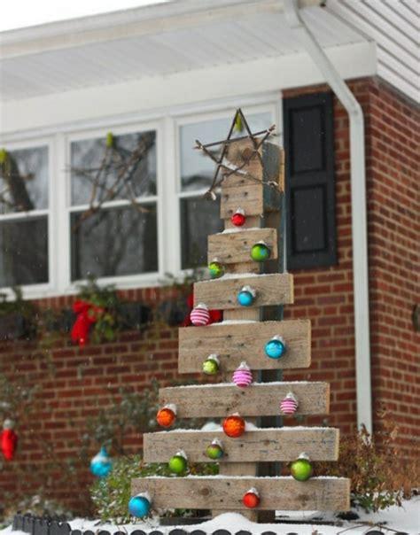 weihnachtsbaum aus holz selber bauen weihnachtsbaum aus nur 1 palette basteln 44 ideen