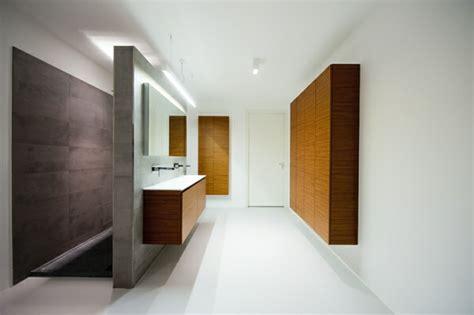 Badezimmer Und Wandschrank Designs by Badschrank Designs F 252 R Einen Kompakten Badezimmerlook