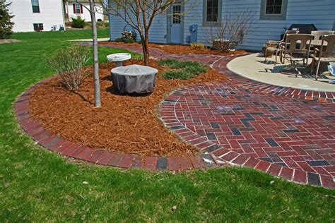 Paver Patio Edging Patio Paver Edging Pictures To Pin On Pinsdaddy