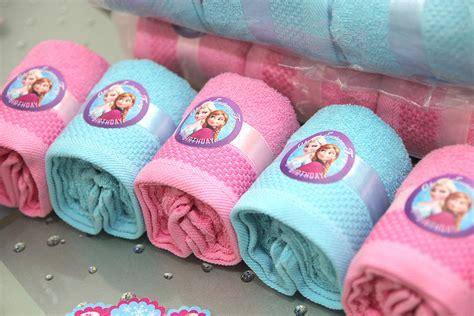 Souvenir Handuk Baby Kemasan handuk souvenir dengan stiker frozen miyoku