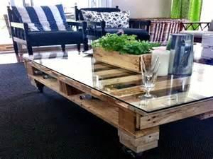 Supérieur Table De Jardin Carre #1: table-basse-palette-pour-un-bar-dans-le-salon.jpg